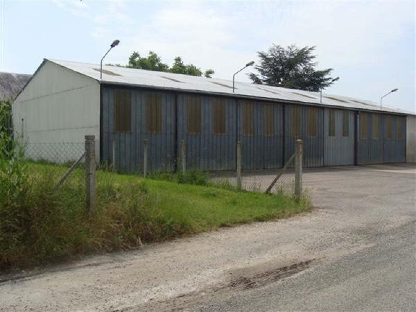 Annonces class es offre vente bureaux 346 000 eur for Garage pommier beaune la rolande